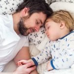 How to Get a Toddler to Sleep Earlier - 7 Tips