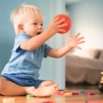 7 Ways To Encourage Toddlers To Entertain Themselves
