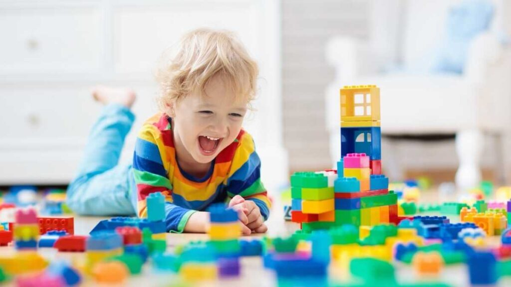 toddler solo play with legos